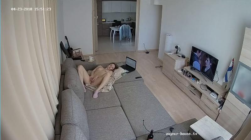 Voyeur House Bree afternoon bate masturbation in Living room at HD videos