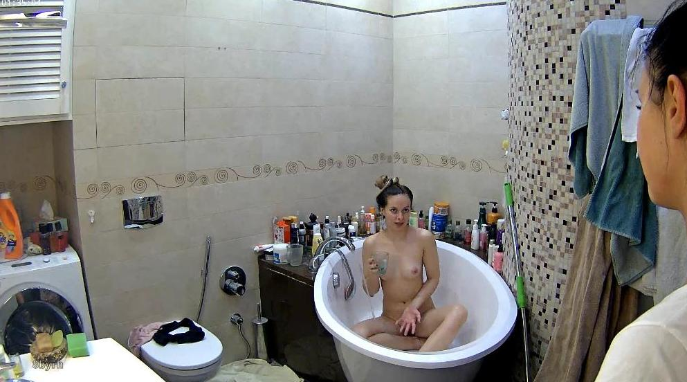 Reallifecam Kristy Sexy Nude Teen Shower in Bathroom