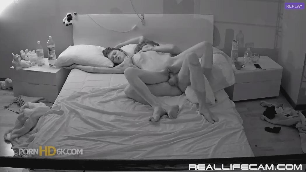 Anabel and Efim She is Love Shake in Pussy Orgasm at RealLifeCam