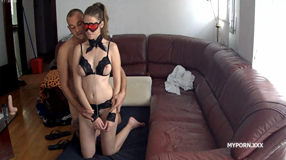Martina and Alberto passionate sex in the living room