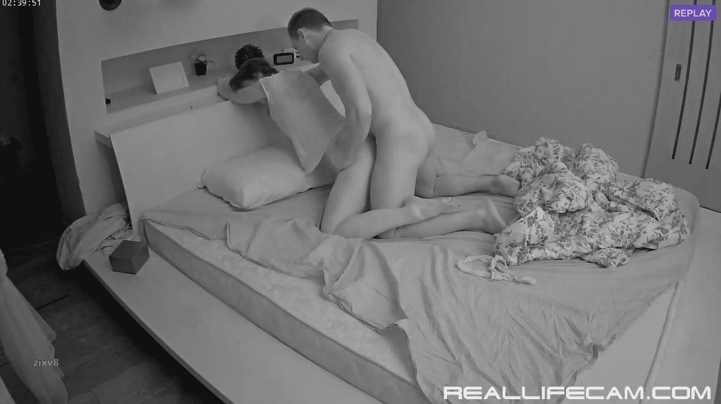 Stesha and Marco Bareback Anal Hardcore RealLifeCam HD Sex