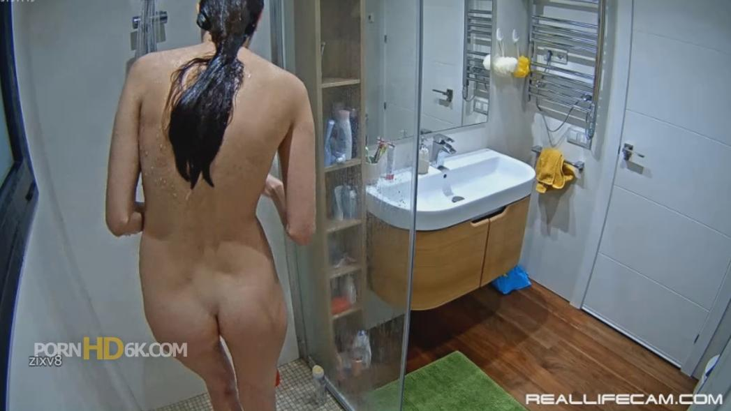 RealLifeCam Leia Sexy Naked Tall TEEN Shower