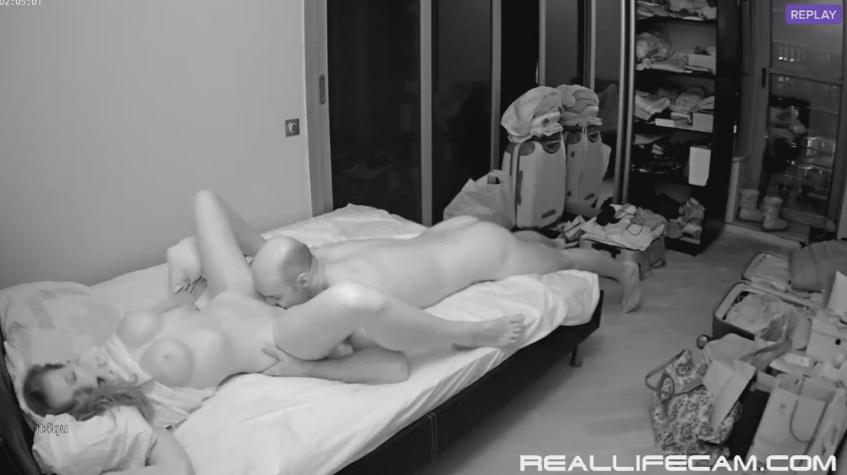 RealLifeCam Heidi Pussy Licking in Bedroom RealLfieCam Voyeur HD Sex